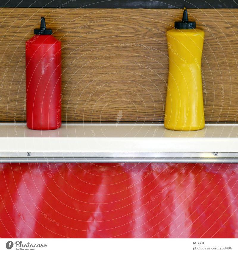 Ketchup & Senf rot gelb Lebensmittel Ernährung Scharfer Geschmack Flasche Buden u. Stände Fastfood Imbiss Ketchup Gastronomie Senf Saucen