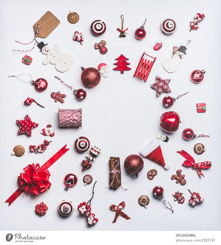 Rote Weihnachtsdekoration on white HIntergrund, Rahmen Weihnachten & Advent Winter Hintergrundbild Stil Feste & Feiern Design Dekoration & Verzierung kaufen