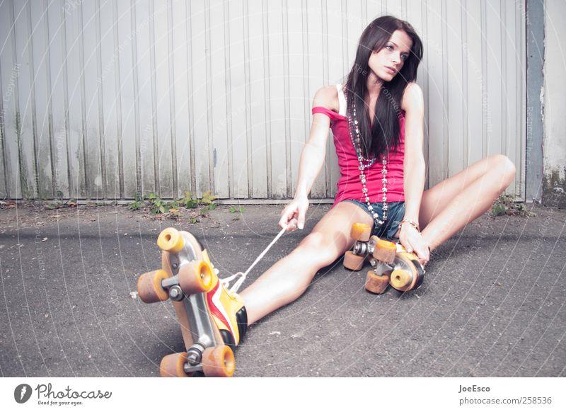#258536 Frau schön Einsamkeit Erwachsene Erholung Leben Erotik Wand Gefühle Mauer Stil Traurigkeit Mode träumen Freizeit & Hobby warten