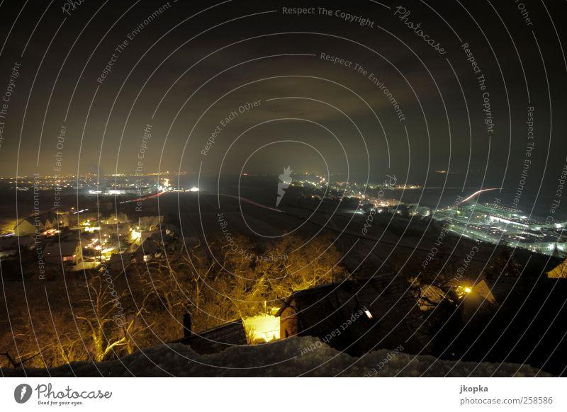 Nachtlicht Landschaft Nachthimmel Stern Winter Schnee Dorf dunkel Originalität Farbfoto Außenaufnahme Menschenleer Langzeitbelichtung Vogelperspektive