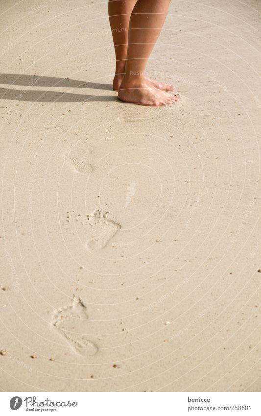 footprints Fußspur Beine Mann Frau Strand Ferien & Urlaub & Reisen Wege & Pfade gehen Gang Sand Sandstrand Sprechblase copyspace Europäer Thailand Asien Sonne