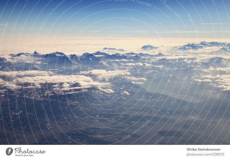 Höher als 4478 Himmel Natur blau weiß Ferien & Urlaub & Reisen Wolken Umwelt Landschaft Berge u. Gebirge See Luft fliegen natürlich Spitze Hügel