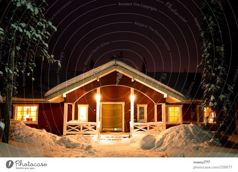 Romantisches Finnisches Winterferienhaus Umwelt Natur Eis Frost Schnee Wald Haus Traumhaus Treppe Terrasse Fenster Tür Dach Ferien & Urlaub & Reisen kalt gelb