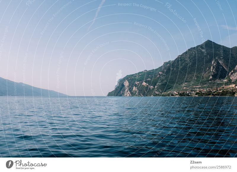 Gardasee | Italien Natur Landschaft Sommer Schönes Wetter Berge u. Gebirge Seeufer nachhaltig natürlich blau ruhig Hoffnung Einsamkeit Idylle Umwelt