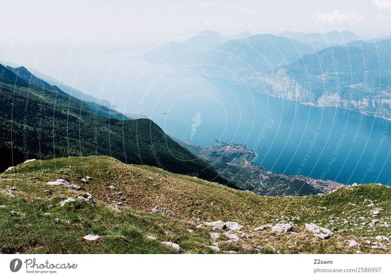 Monte Baldo | Malcesine | Lago di Garda Ferien & Urlaub & Reisen Ausflug Sommerurlaub Berge u. Gebirge wandern Natur Landschaft Alpen Gipfel Seeufer Dorf hoch