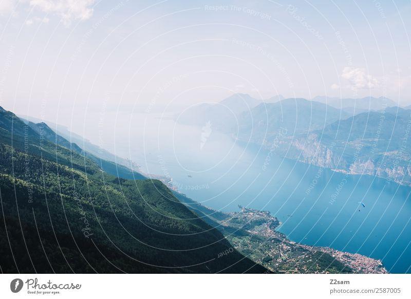 Garadasee | von oben Natur Landschaft Himmel Sommer Schönes Wetter Alpen Berge u. Gebirge See Dorf gigantisch Unendlichkeit blau Erholung