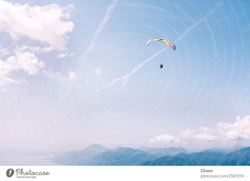 Gleitschirmfliegen | Gardasee Freizeit & Hobby Ferien & Urlaub & Reisen Abenteuer Berge u. Gebirge Sport Fallschirm Mensch 1 Natur Landschaft Himmel Wolken