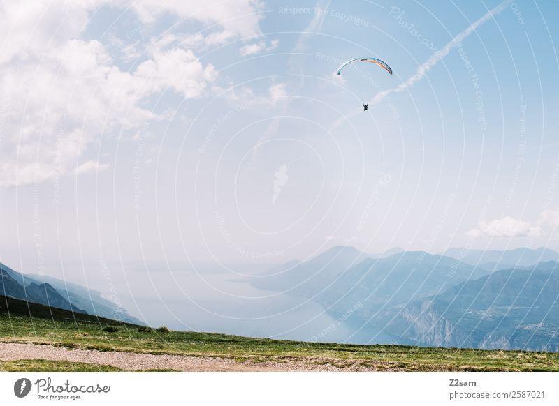 Gleitschirmfliegen | Monte Baldo Freizeit & Hobby Ferien & Urlaub & Reisen Ausflug Abenteuer Freiheit Sommerurlaub Berge u. Gebirge Mensch Natur Landschaft