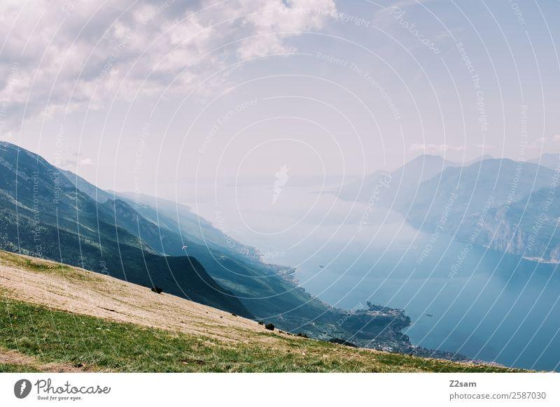 Gardasee Natur Landschaft Sommer Schönes Wetter Alpen Berge u. Gebirge Gipfel gigantisch Unendlichkeit natürlich Wärme blau grün Ferien & Urlaub & Reisen