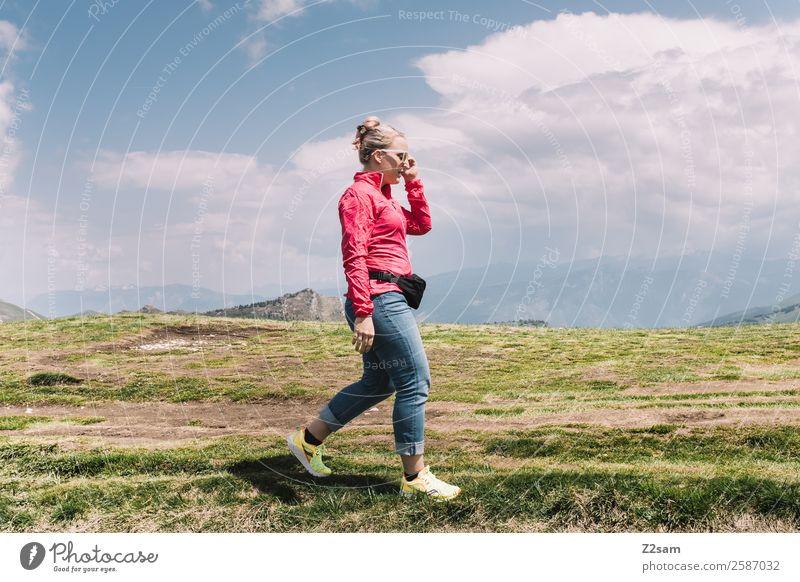 Monte Baldo   Spaziergang Natur Ferien & Urlaub & Reisen Jugendliche Junge Frau Sommer Landschaft Sonne Erholung Berge u. Gebirge 18-30 Jahre Lifestyle