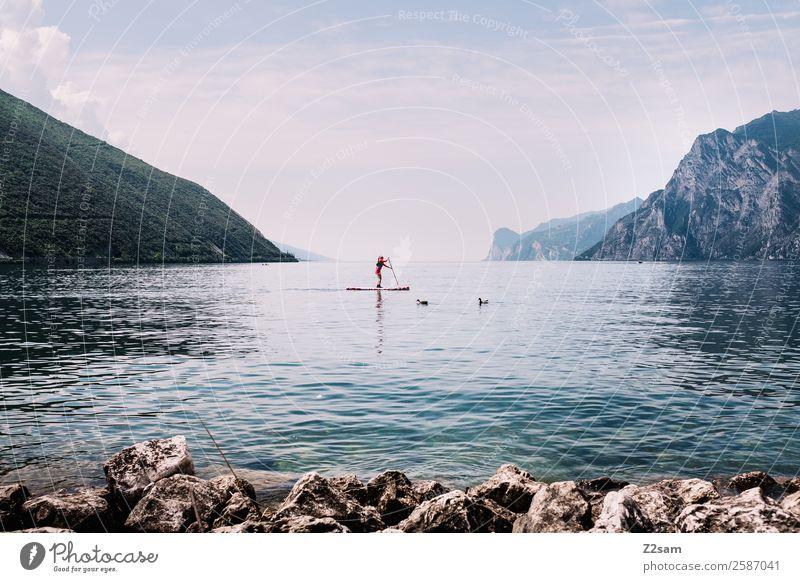 Gardasee | Stand up paddling Lifestyle Freizeit & Hobby Ferien & Urlaub & Reisen Sommer Sommerurlaub Wassersport Mensch 1 Natur Landschaft Himmel Schönes Wetter