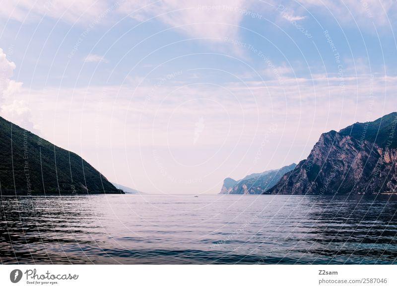 Gardasee | Italien Natur Landschaft Sommer Schönes Wetter Berge u. Gebirge Seeufer ästhetisch Unendlichkeit natürlich Gelassenheit ruhig Einsamkeit Frieden