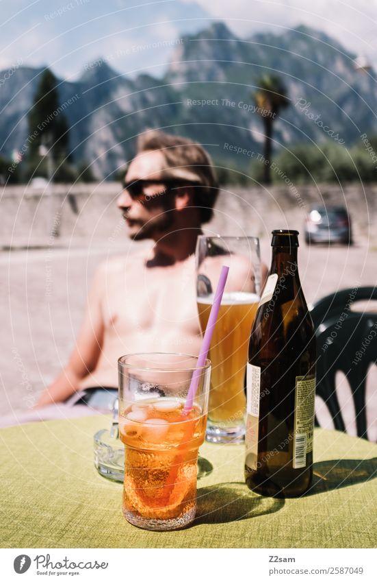 70er | Gardasee | Retro Alkohol Bier Longdrink Cocktail Lifestyle elegant Stil Ferien & Urlaub & Reisen Tourismus Sommerurlaub Junger Mann Jugendliche
