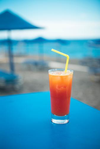 Longdrink an der Strandbar Ferien & Urlaub & Reisen Sommer blau Sonne Meer Erholung Freude Ferne Lifestyle Lebensmittel Küste Feste & Feiern Tourismus Party