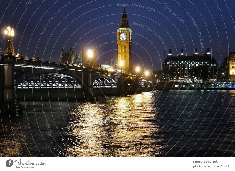 London - Big Ben und Westminster Bridge Europa Brücke Fluss Turm Uhr Turmuhr