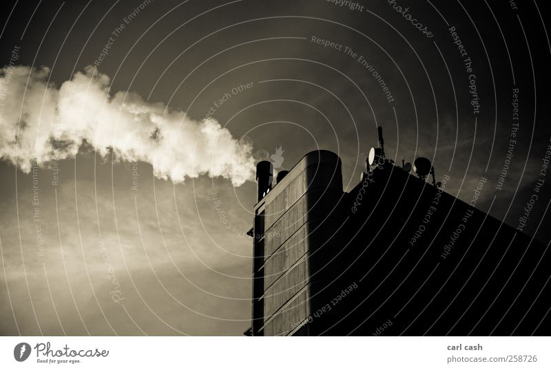 City Smoke Klimawandel Krefeld Deutschland Europa Hochhaus Bauwerk Gebäude Dach Schornstein alt dreckig groß hässlich hoch retro Stadt braun Traurigkeit