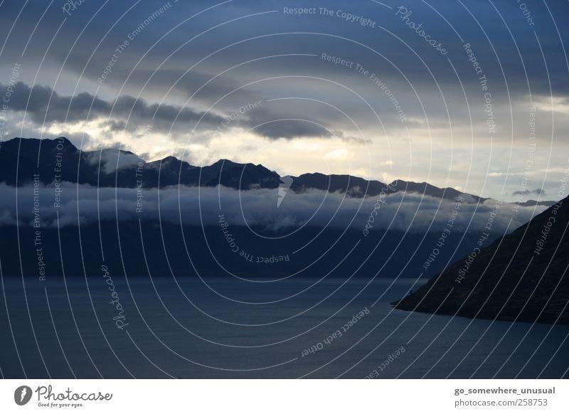 impressed by a new day in Aotearoa (New Zealand) Himmel Natur Wasser Ferien & Urlaub & Reisen Wolken ruhig Ferne Umwelt Landschaft Berge u. Gebirge See Stimmung
