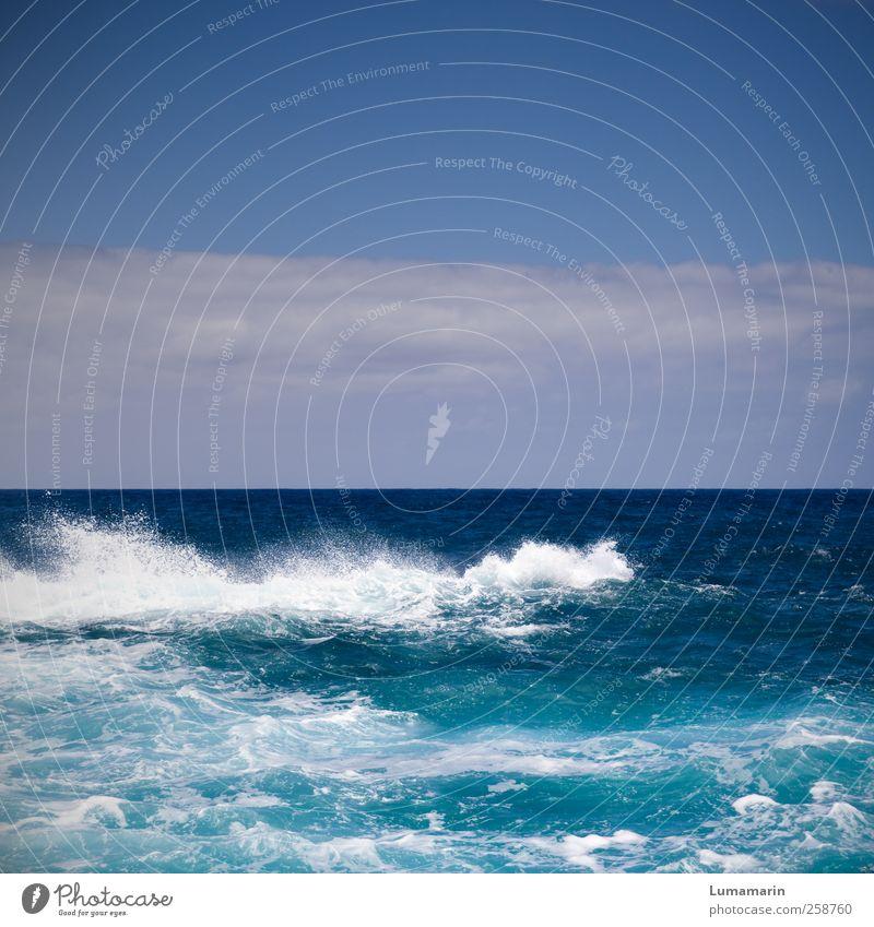 roll on by Umwelt Landschaft Urelemente Luft Wasser Himmel Wolken Horizont Sommer Schönes Wetter Wellen Meer Atlantik einfach Ferne frisch gigantisch groß