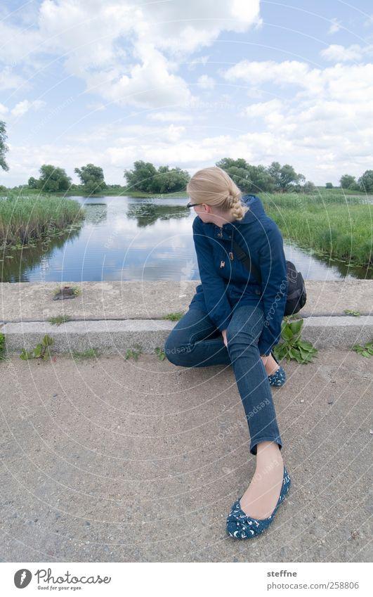 Rast Mensch Himmel Natur Jugendliche Sommer Wolken ruhig Erwachsene Straße Landschaft Küste Park 18-30 Jahre Wellness Jeanshose Schönes Wetter