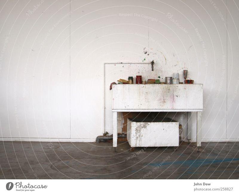 Arbeitsplatz Freizeit & Hobby Kunst dreckig Idee einzigartig Waschbecken Atelier Kreativität chaotisch malen Malutensilien Wasserhahn Abflussrohr spritzen