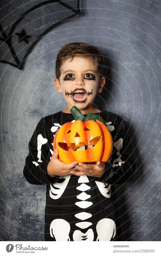 Kind Mensch schön weiß Freude schwarz Gesicht Leben Herbst natürlich Junge Feste & Feiern klein Dekoration & Verzierung Angst Kindheit