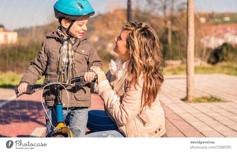 Frau Kind Natur Ferien & Urlaub & Reisen Mann Sonne Erholung Winter Straße Lifestyle Erwachsene Wege & Pfade Sport Familie & Verwandtschaft Glück Junge