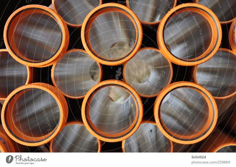 in die Röhre gucken braun liegen Ordnung Perspektive Kreis Baustelle rund Zusammenhalt Kunststoff Röhren Handwerk Rohrleitung Symmetrie Handwerker Präzision