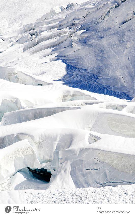 Eismeer ruhig Ausflug Abenteuer Winter Berge u. Gebirge Klettern Bergsteigen Natur Urelemente Wasser Schönes Wetter Frost Schnee Alpen Gletscher alt Reinigen
