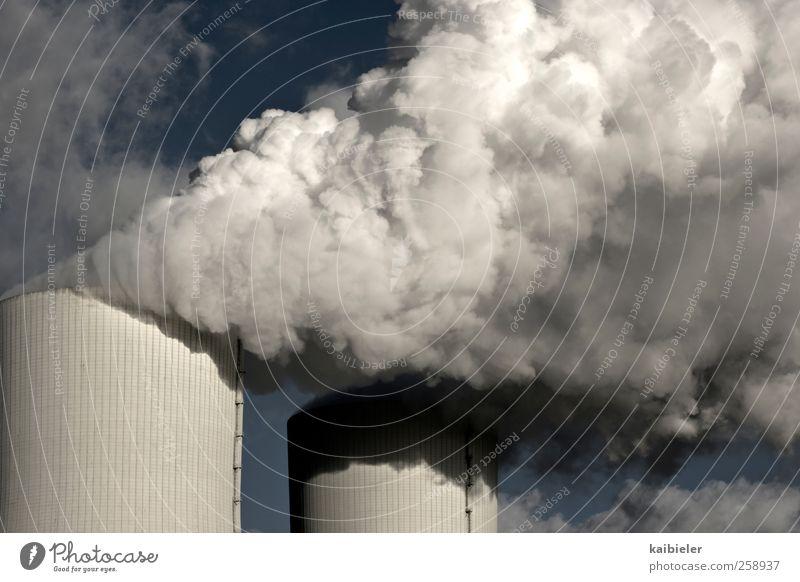 Mal so richtig Dampf ablassen blau weiß Wolken grau dreckig Energie Energiewirtschaft Elektrizität Industrie Abgas Schornstein Klimawandel Kohlendioxid