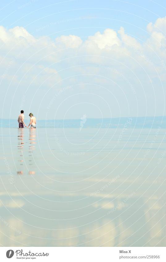 Liebespaar Ferien & Urlaub & Reisen Tourismus Sommer Sommerurlaub Meer Mensch Frau Erwachsene Mann 2 Wasser Schönes Wetter Küste See Zusammensein Verliebtheit