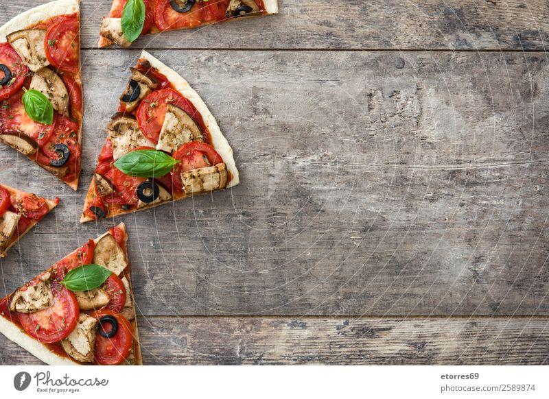 Vegetarisches Pizzastückchen Vegetarische Ernährung Vegane Ernährung Tomate Aubergine Oregano Basilikum Oliven Lebensmittel Gesunde Ernährung Foodfotografie