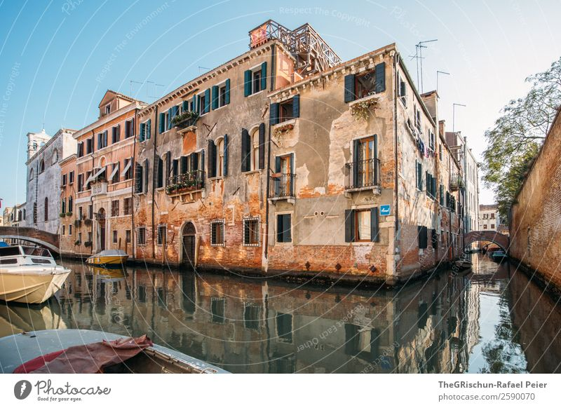 Venedig Stadt braun gelb Haus geschlossen Bauwerk Kunstwerk Kanal Meerwasser Italien Wasserfahrzeug Schifffahrt Ferien & Urlaub & Reisen Tourismus