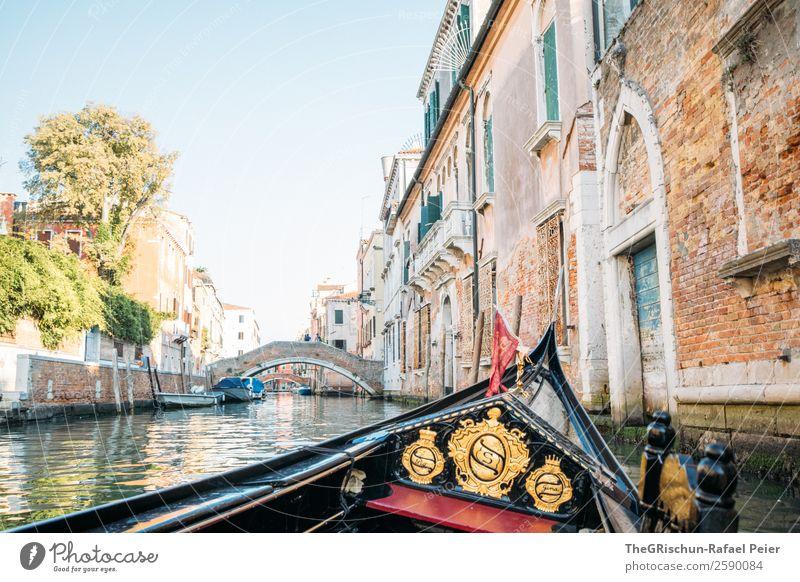 Gondola Kleinstadt Stadt Hafenstadt blau braun gelb gold rot Venedig Italien Gondel (Boot) Wasserfahrzeug Bootsfahrt Kanal Gebäude Reisefotografie