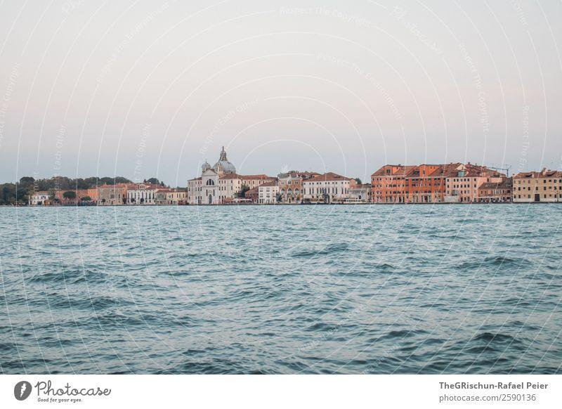 Venedig Kleinstadt Stadt Hafenstadt Stadtzentrum blau braun Wasser Haus Kirche Dämmerung Italien Außenaufnahme Menschenleer Textfreiraum oben Textfreiraum unten