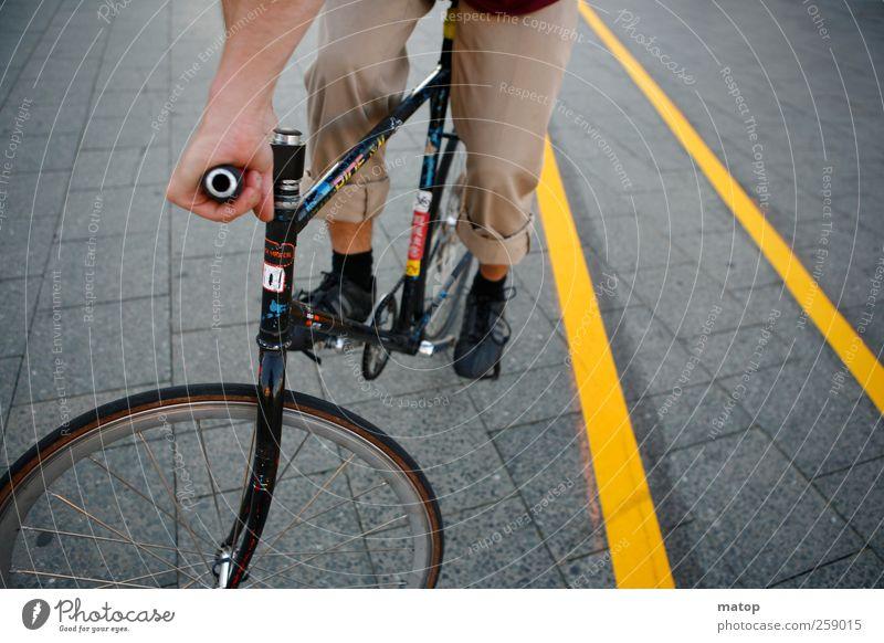 Messenger Mensch Jugendliche Stadt Junger Mann Straße Wege & Pfade Stil Lifestyle maskulin Verkehr Fahrrad Geschwindigkeit Beton Fahrradfahren Coolness