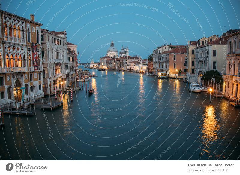 Venedig Kleinstadt Stadt Hafenstadt blau gelb gold Wasser Haus Licht Italien Langzeitbelichtung Dom Reflexion & Spiegelung Außenaufnahme Menschenleer