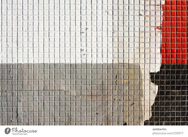 Wand alt weiß rot schwarz Haus Architektur grau Gebäude Mauer hell Fassade Baustelle Bauwerk Fliesen u. Kacheln Fuge