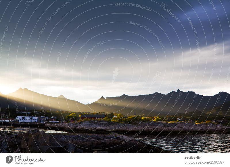 Kabelvåg Himmel Natur Ferien & Urlaub & Reisen Himmel (Jenseits) Wasser Landschaft Sonne Meer Wolken Reisefotografie Beleuchtung Textfreiraum Horizont Insel