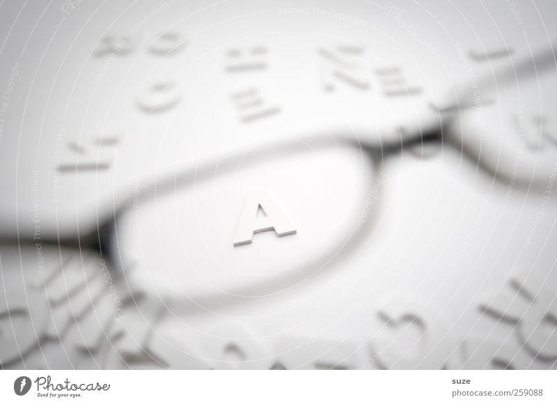 Scharfes A weiß Stil hell Design ästhetisch Schriftzeichen Lifestyle Buchstaben Brille Klarheit Grafik u. Illustration einfach Kreativität Idee Typographie