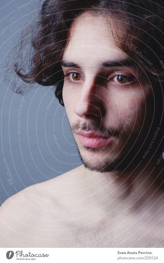 alte zeiten. Mensch Jugendliche Gesicht Erwachsene kalt Kopf Haare & Frisuren Haut maskulin 18-30 Jahre dünn Locken brünett langhaarig Starrer Blick