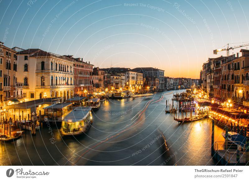 Venedig Kleinstadt Stadt Hafenstadt blau gelb gold Licht Stimmung Canal Grande Italien Wasserfahrzeug Schifffahrt Tourismus Langzeitbelichtung Außenaufnahme