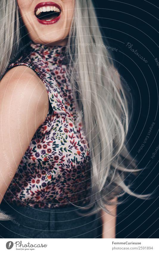 Smiling woman with long grey dyed hair feminin Frau Erwachsene 1 Mensch 18-30 Jahre Jugendliche 30-45 Jahre Rock Bluse geblümt violett bordeaux Lippenstift