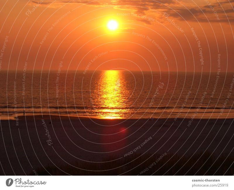 roter Stern Meer Wolken Reflexion & Spiegelung Dänemark Henne Strand Sonne Wasser Sand Himmel Sonnenuntergang