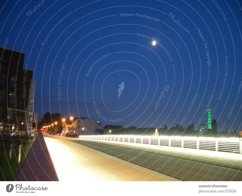 Die Brücke Nacht Duisburg Hafen Langzeitbelichtung Mond Himmel