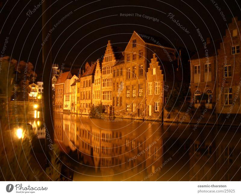 Fachwerk am Fluss Nacht Langzeitbelichtung Gent Belgien Fachwerkhaus Fachwerkfassade Spiegel Reflexion & Spiegelung Licht Handwerk