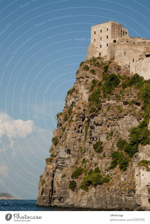 Traumhaus Ischia alt Wasser Stadt Ferien & Urlaub & Reisen Sommer Meer Haus Berge u. Gebirge Architektur Küste Gebäude Felsen hoch Insel Tourismus Bauwerk