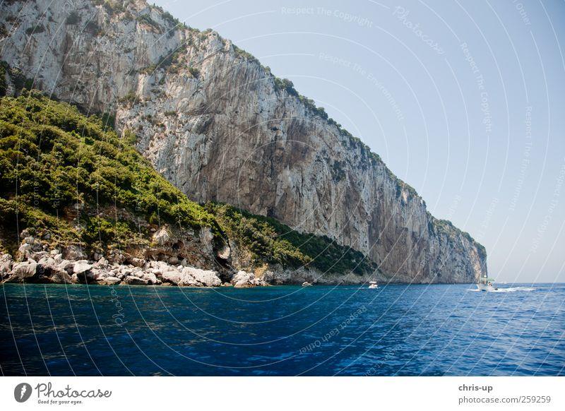 Felswand, Capri, Mittelmeer Natur blau Wasser schön Ferien & Urlaub & Reisen Sommer Meer Erholung Umwelt Landschaft Berge u. Gebirge Küste Wasserfahrzeug Felsen