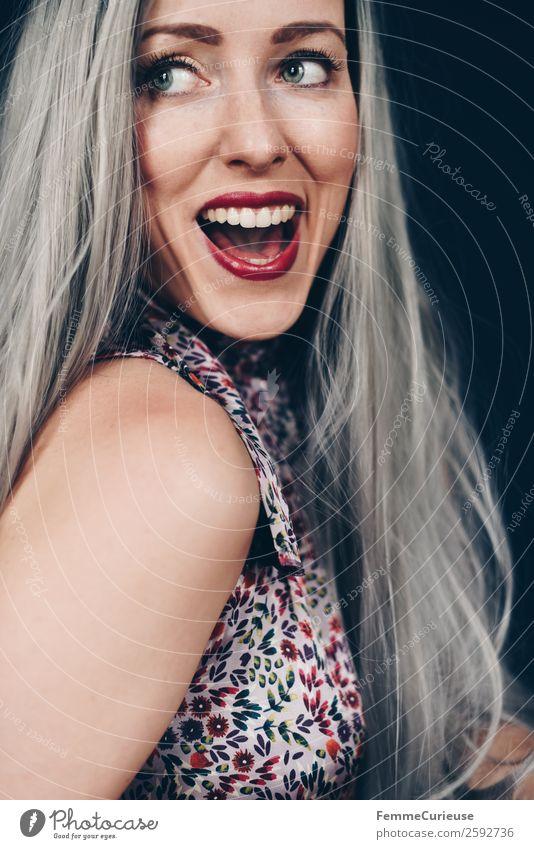 Smiling woman with long grey dyed hair feminin Frau Erwachsene 1 Mensch 18-30 Jahre Jugendliche 30-45 Jahre schön grau Haare & Frisuren Lächeln Freude Farbe