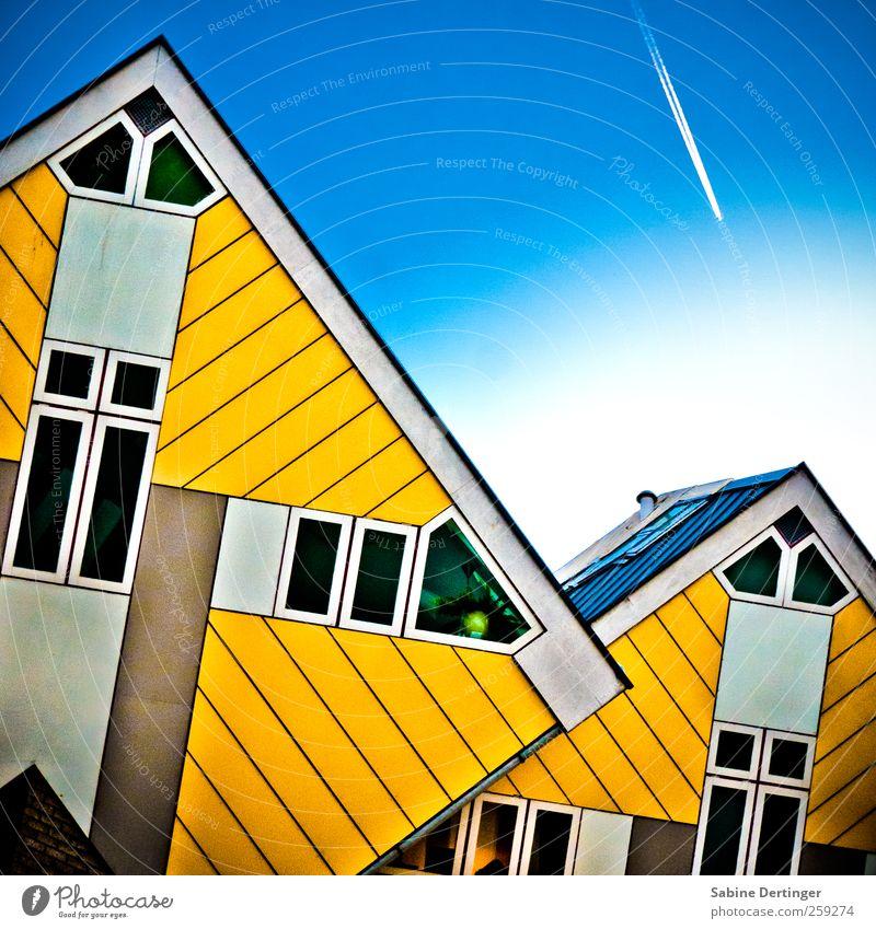 Kubuswoning Stadt gelb Leben Fenster Wand Architektur Mauer Fassade Flugzeug ästhetisch Bauwerk skurril bizarr eckig Wohnhaus Lebensraum