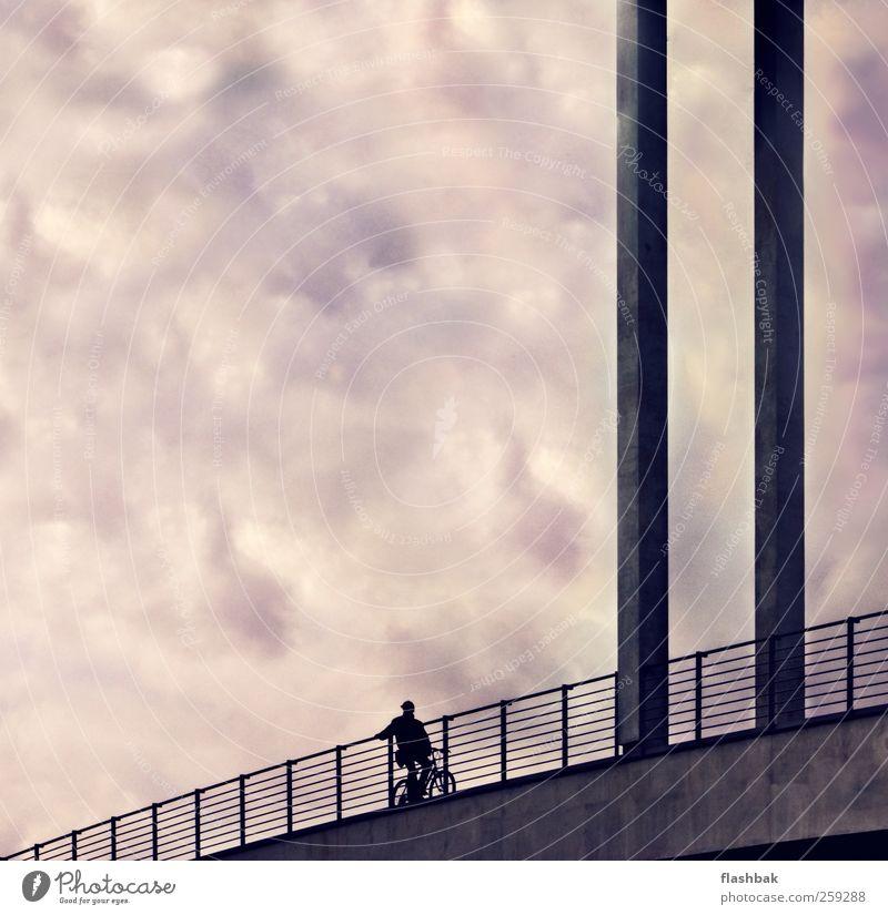 Der Gucker Stadt Architektur Glück Stimmung Horizont Zufriedenheit Beton Fahrradfahren Brücke Hilfsbereitschaft Hoffnung Bauwerk Stadtzentrum Sehenswürdigkeit Verkehrswege Gesellschaft (Soziologie)